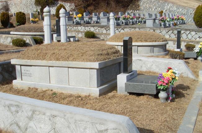 가족봉안묘 6~8위(전통형)